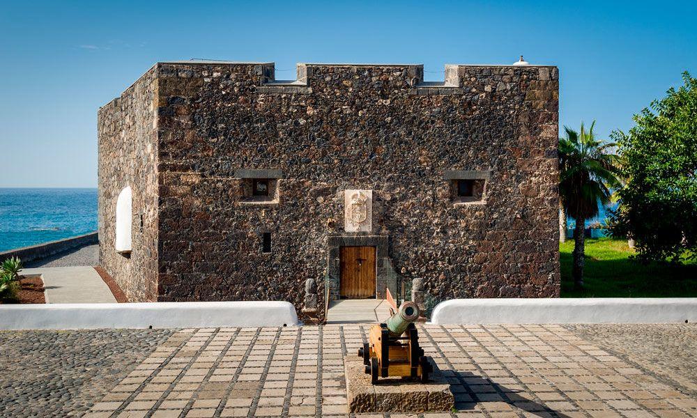 Centre historique du port de la Cruz