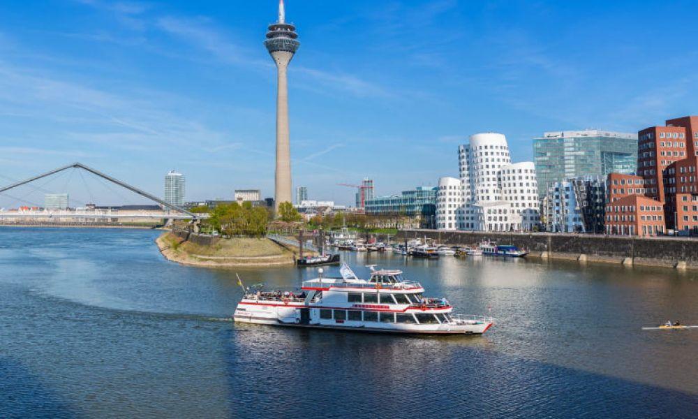 La Tour du Rhin et les bâtiments conçus par Frank Gehry