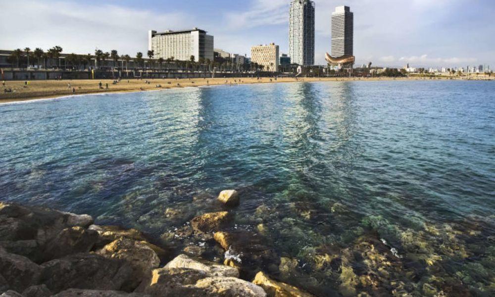 Vue sur la côte de Barcelone