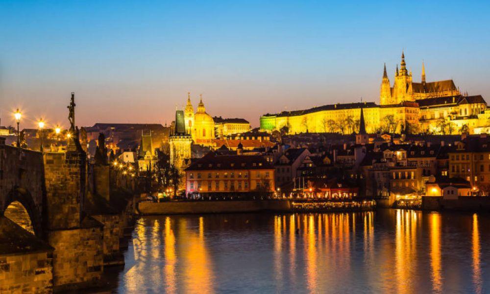 Vue panoramique du château de Prague