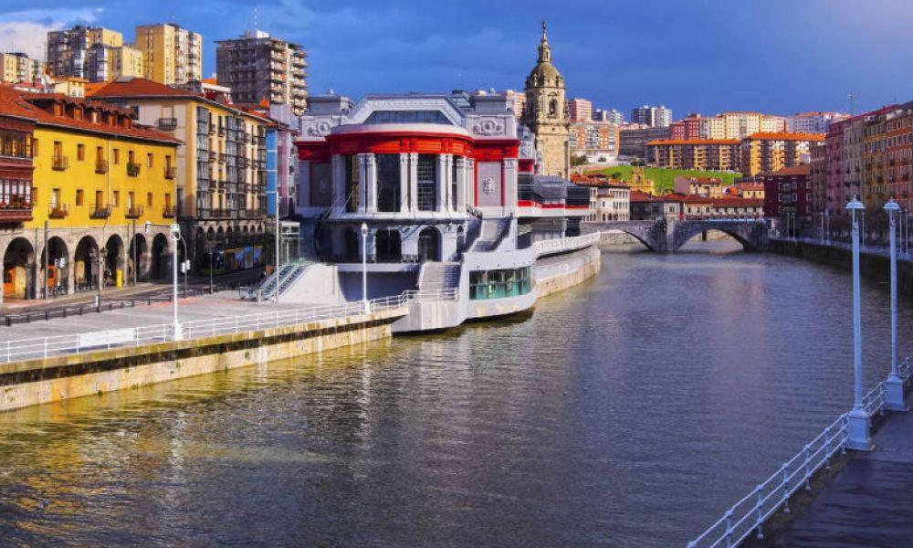 La marché de la Ribera, sur la ria de Bilbao