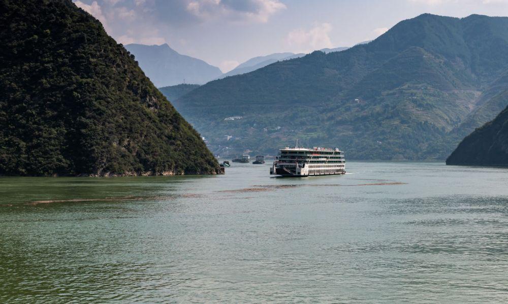 Naviguer dans la gorge de Qutang