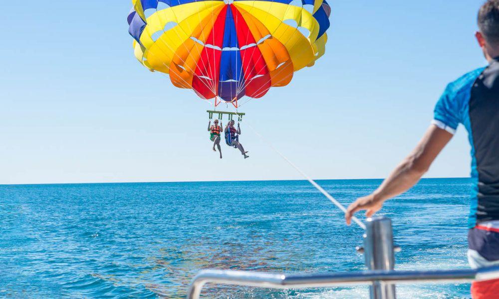 Faire du parachute ascensionnel à Salou