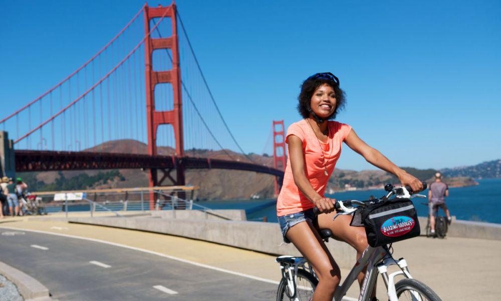 Faire du vélo sur la baie de San Francisco
