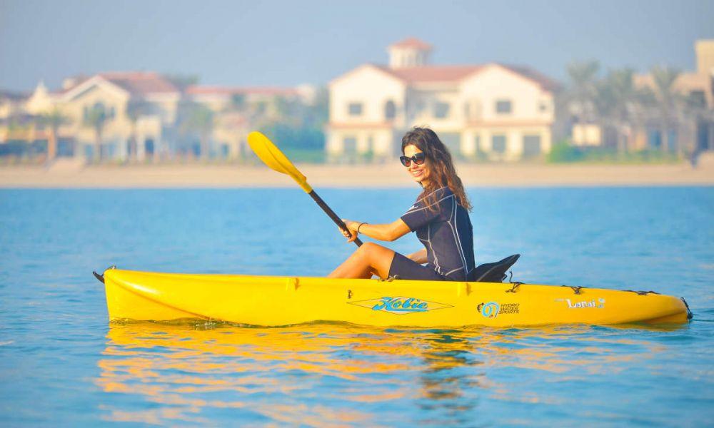 Kayak sur la côte de Dubaï