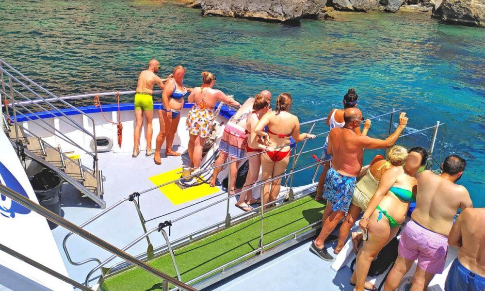 Naviguer sur l'eau d'Es Vedrá