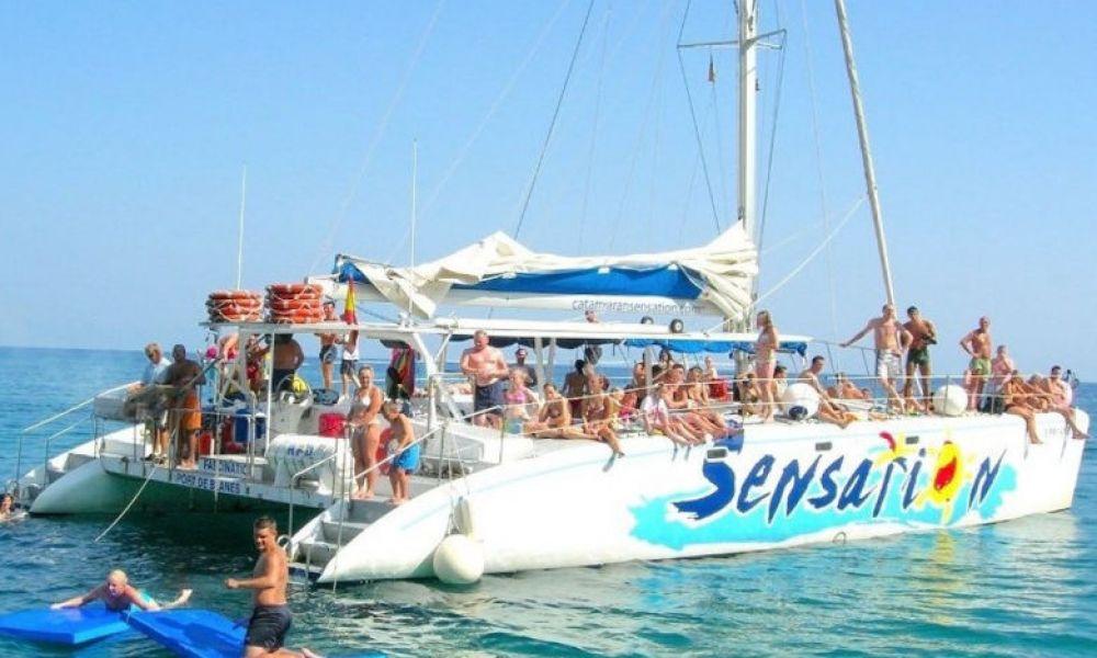 À bord du catamaran Sensation