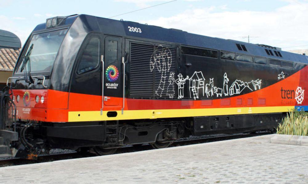 Le train de la Dulzura passe par Durán et Bocay