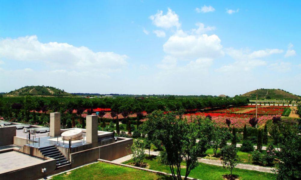 Vue extérieure du mausolée de Han Yang Ling