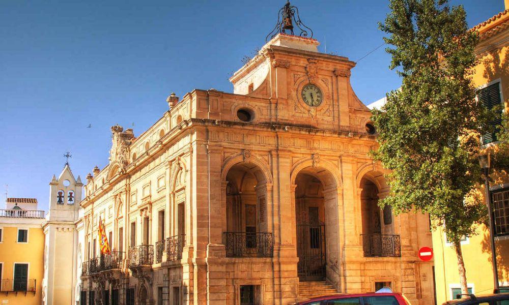 Édifice historique à la Mairie de Mahon