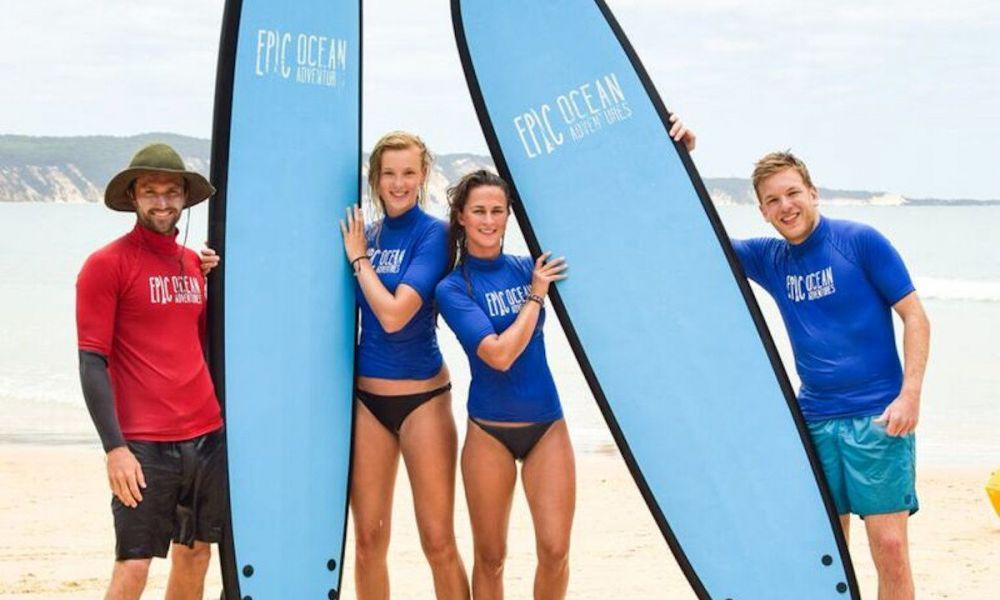 Faire du surf à Double Island Point