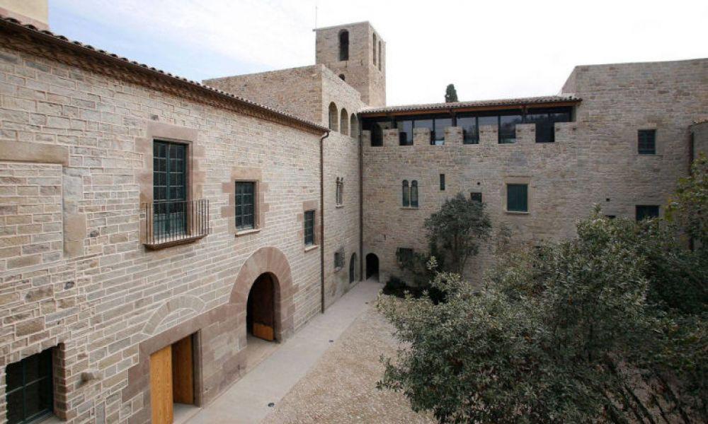 Le patio du monastère de Sant Benet de Bages