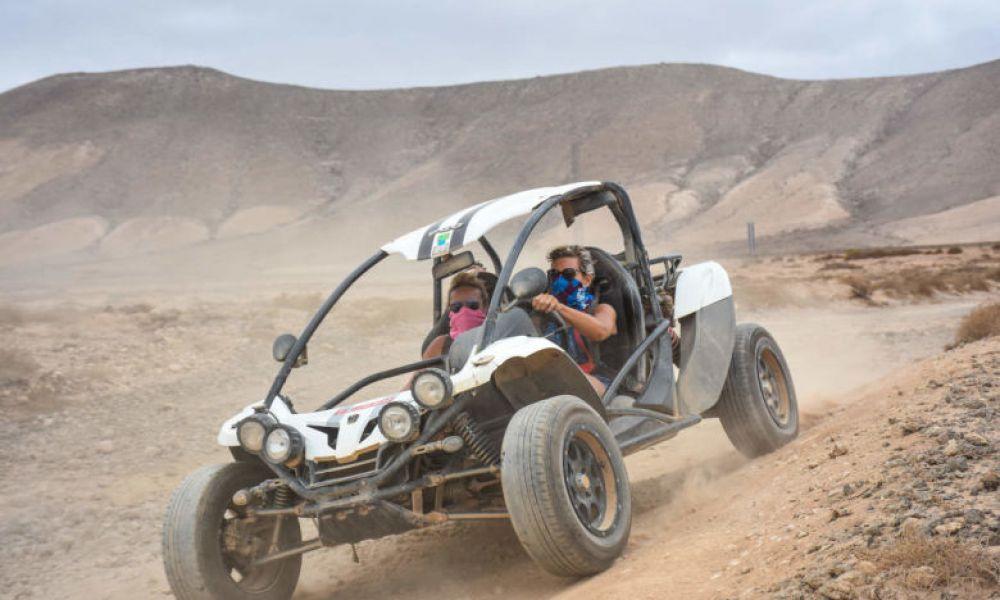 En buggy dans le sable de Fuerteventura
