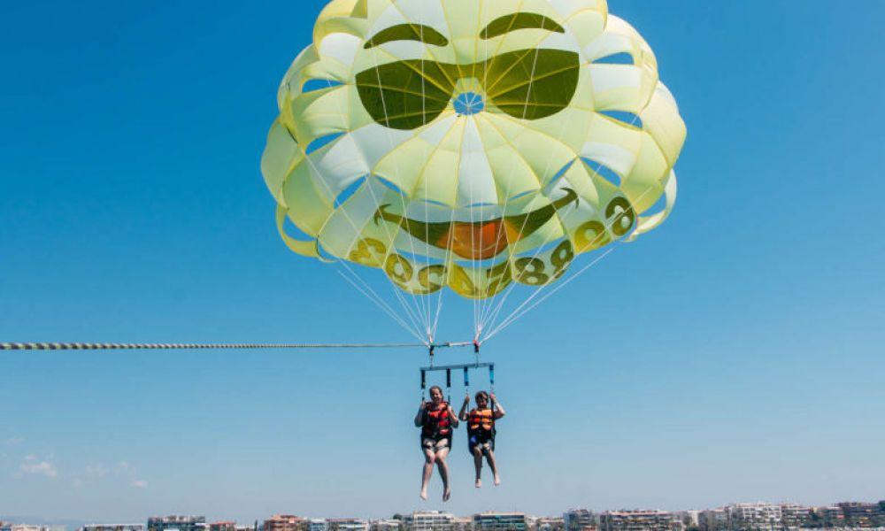 Profiter du parachute ascensionnel sur la Costa Dorada