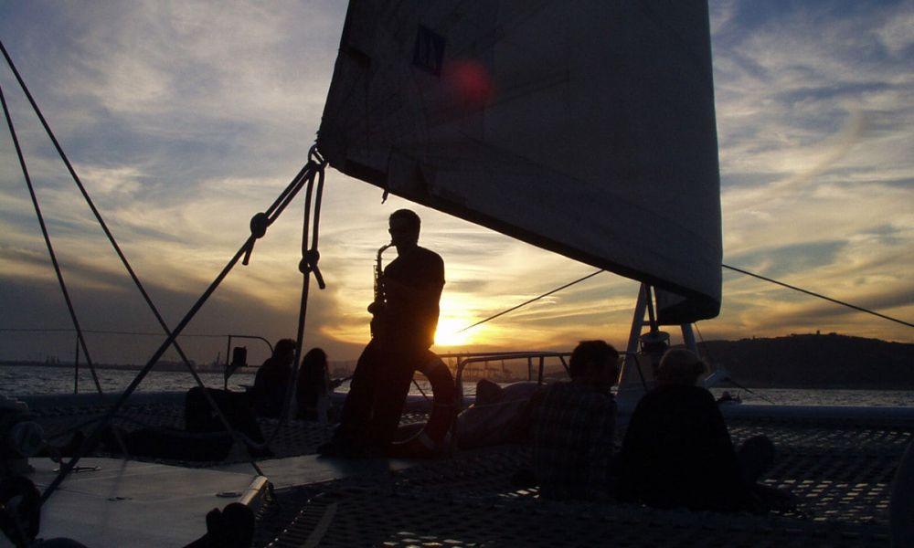Balade en catamaran avec musique en live