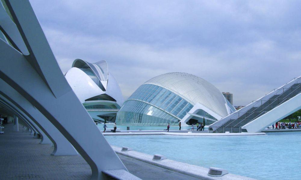 Vue panoramique sur la Cité des Arts et des Sciences