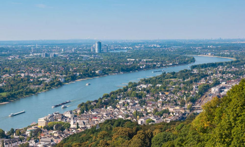 Le Rhin dans la ville de Bonn