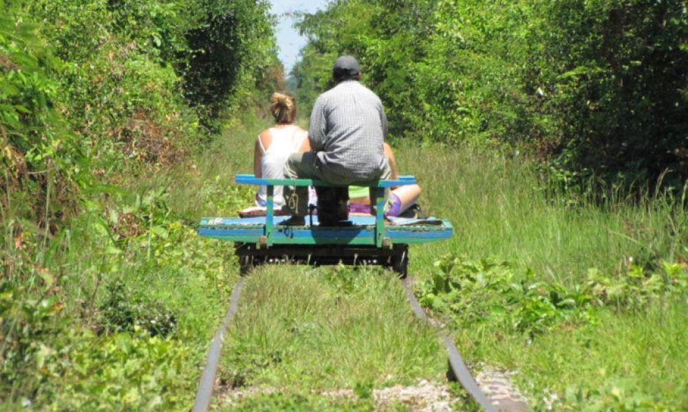 Balade à bord du train de bambou