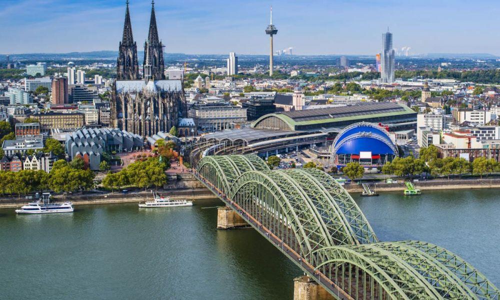 Le Rhin passant par Cologne