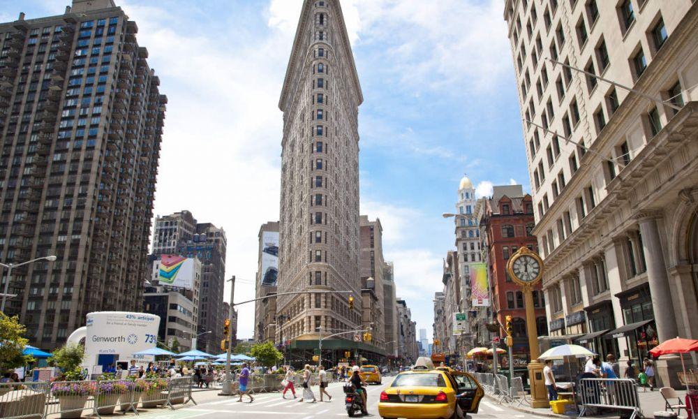 Le Flatiron Building escaladé par Spiderman