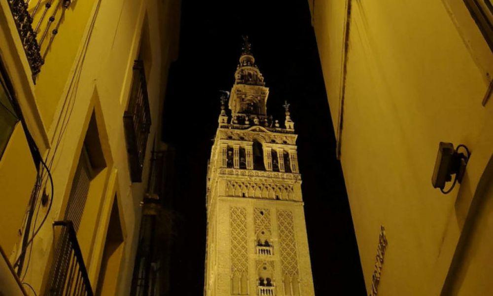 Le centre de Séville de nuit