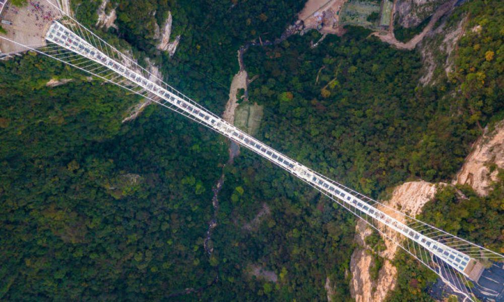 Sur le Pont de Verre
