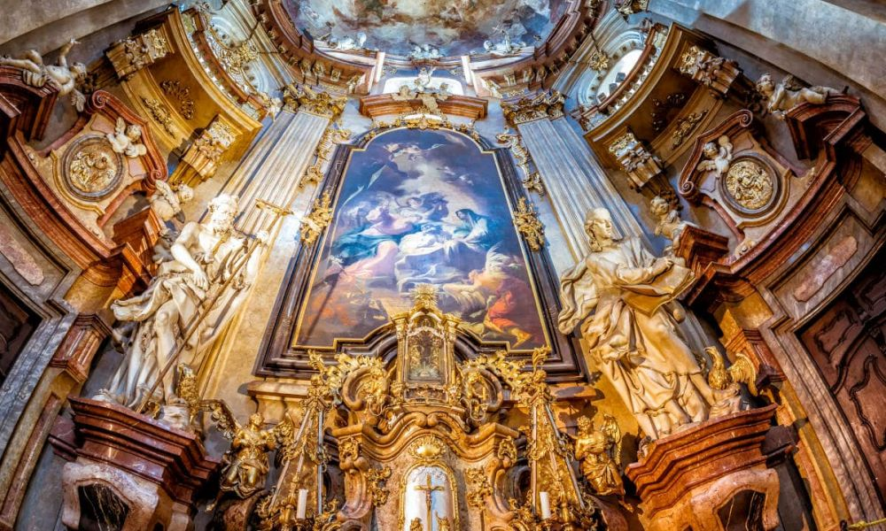 L'intérieur de l'église Saint-Nicolas