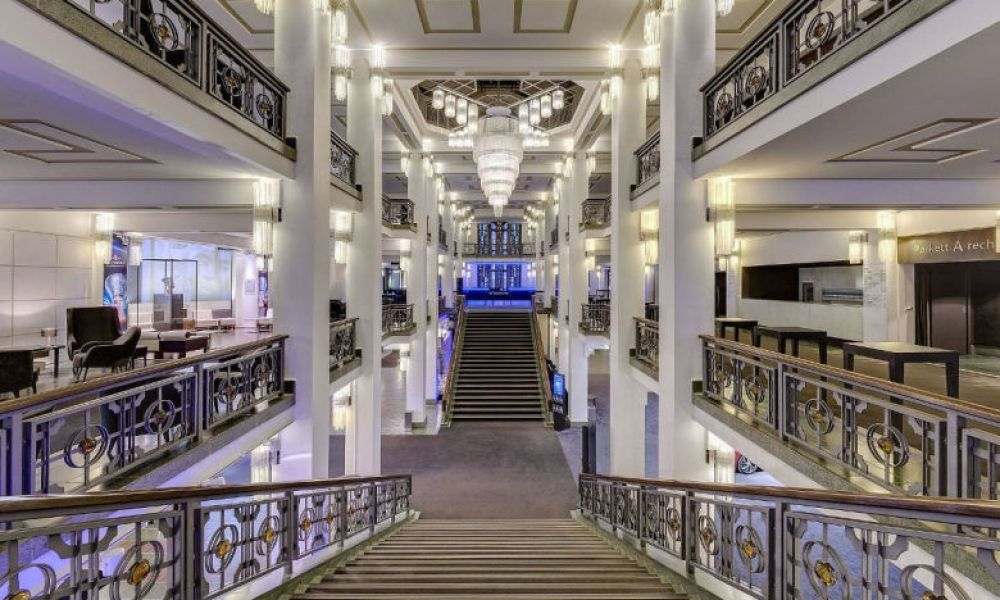 Le hall du Friedrichstadt Palast