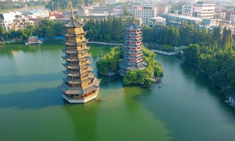 Les pagodes du Soleil et de la Lune