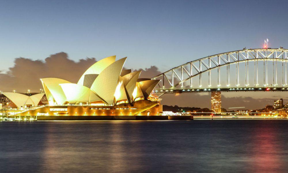 L'opéra de Sydney à la tombée de la nuit