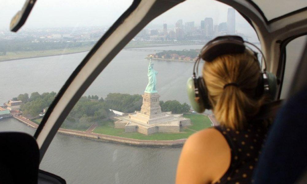 Survol de la Statue de la Liberté