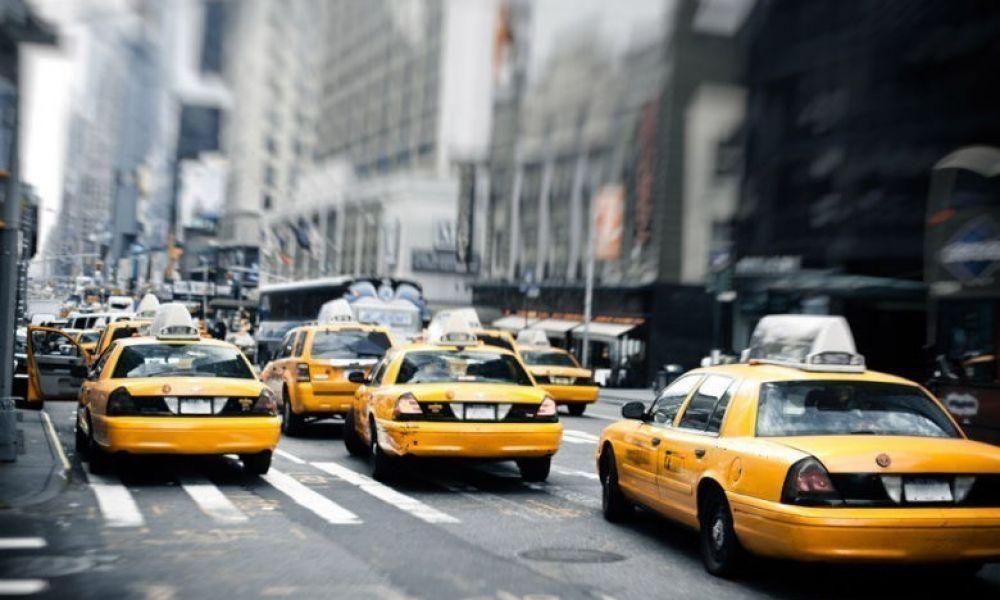 Des taxis sur la Cinquième Avenue de New York