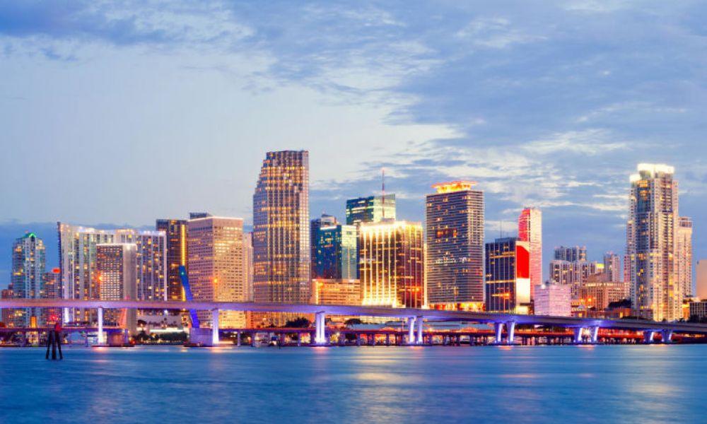 La baie de Miami au coucher de soleil