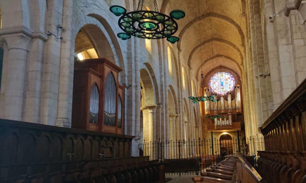 Parcourez le monastère de Polet