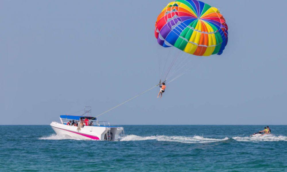 Faire du  parachute ascensionnel sur la Costa Dorada