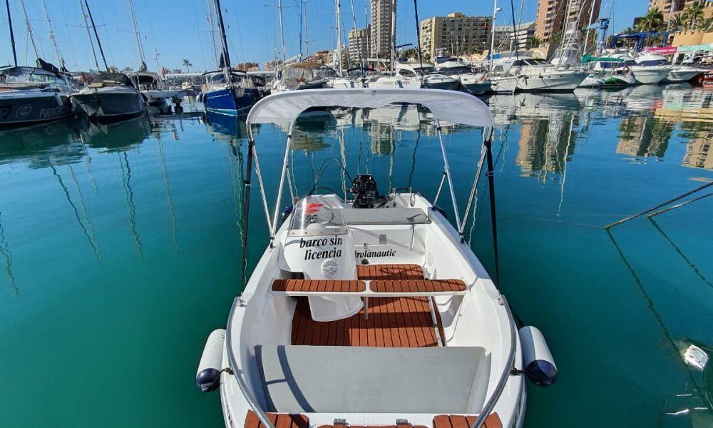 Location de bateau sans permis à Fuengirola