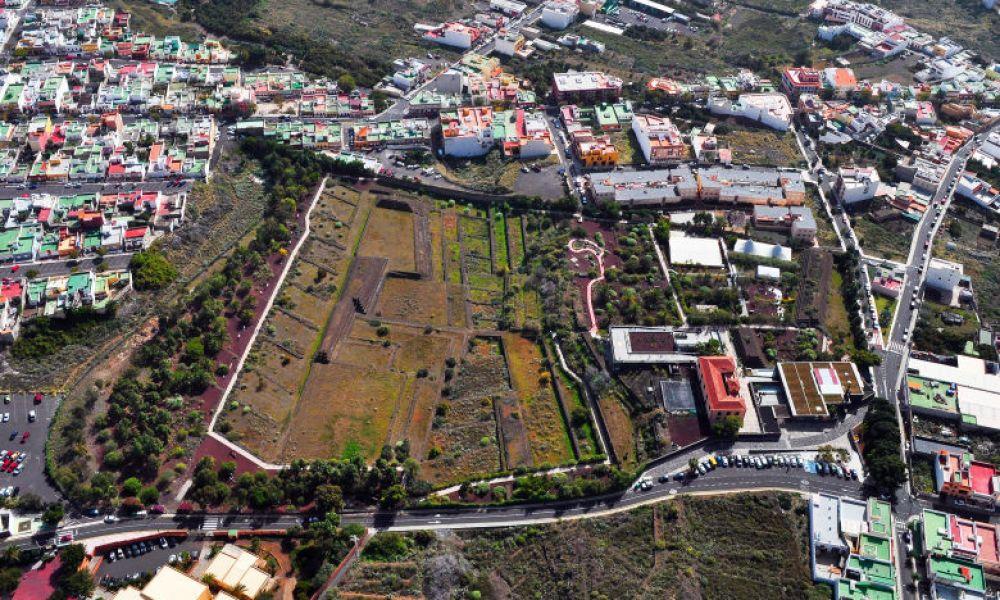 Vue aérienne sur les Pyramides de Güímar