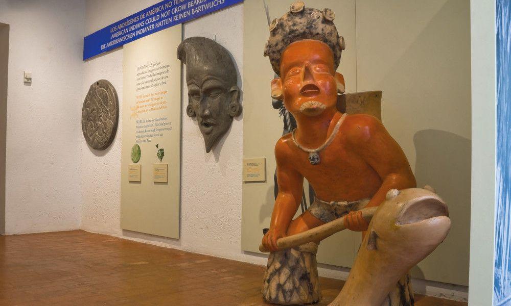 Exposition sur la Polynésie dans les Pyramides de Güimar