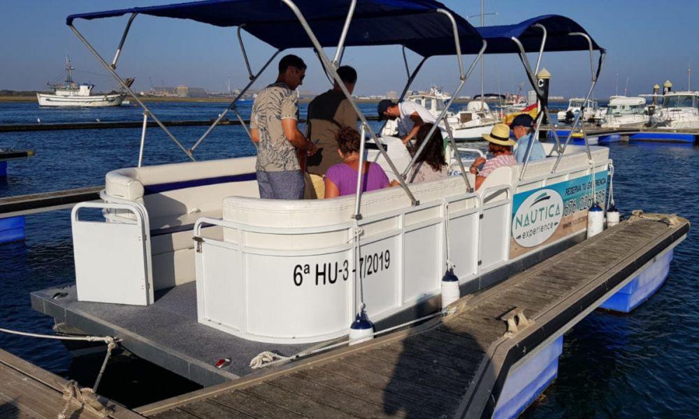 Vue sur le bateau de l'excursion
